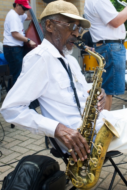 Jimmy Ellis plays in Nichols Park